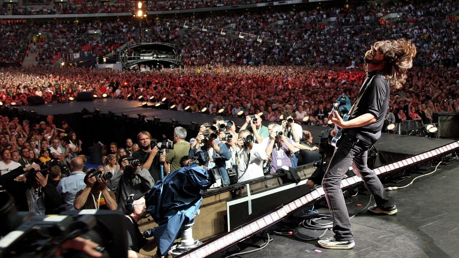 foo-fighters-live-at-wembley-stadium-original